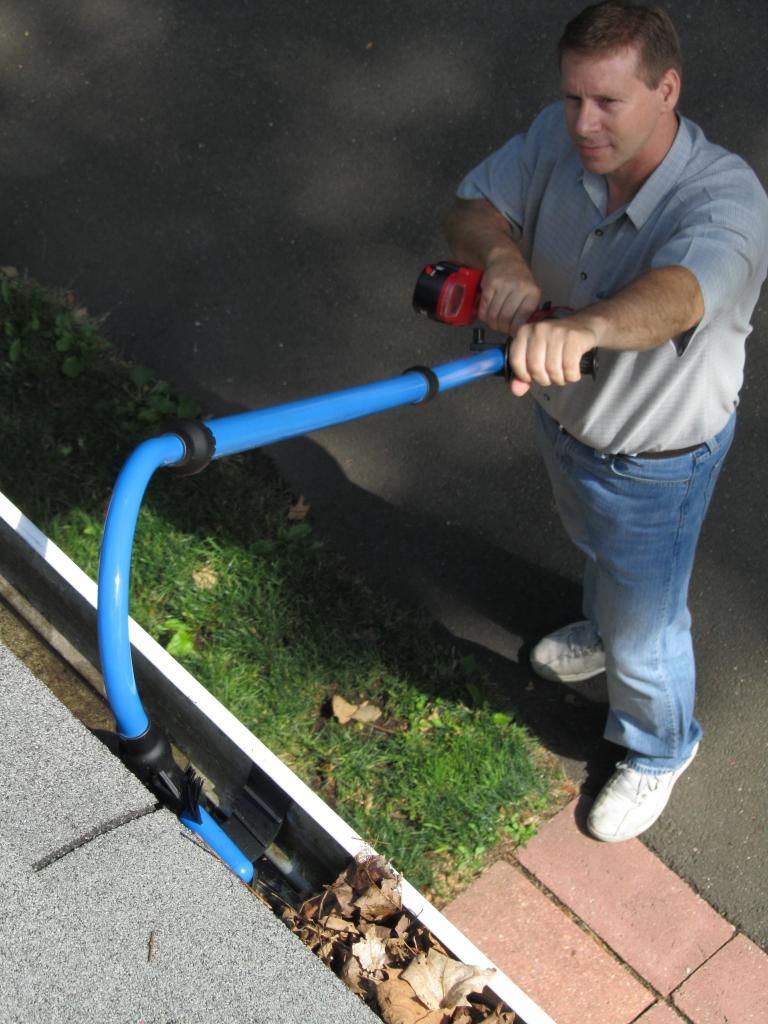VertaLok VGS722 Gutter Cleaning System