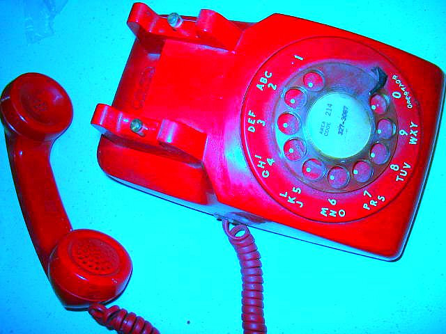 hook up landline phone to cell phone As i was hooking up a new phone in my living room, the kind where you plug a jack into the wall, i wondered why i was holding onto what had largely become a relic it rarely rings, and even when it does, it's usually the dentist or a robocaller could my family do without it, much like the 382 percent of.